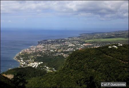 Vue de la ville de Basse Terre depuis Morne Grande Voûte