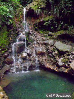 Cascade La Parabole pendant la saison sèche